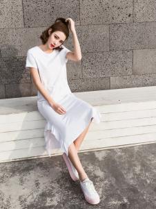 Three d新款短袖连衣裙
