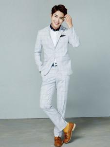 法派特男装白色休闲西装