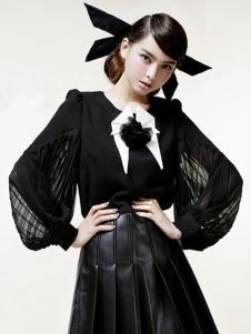 依莱雅黑色连衣裙
