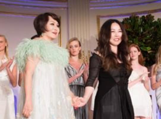 Grace Chen回归美国首秀  惊艳亮相2018中美时尚慈善夜