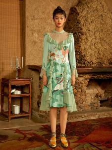密扇女装绿色不规则连衣裙