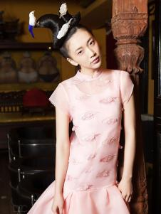 密扇女装粉色复古连衣裙