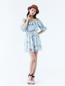 Rosebullet女装浅蓝印花一字肩连衣裙