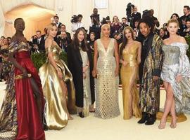 快时尚H&M上架以MET GALA红毯造型为灵感服装