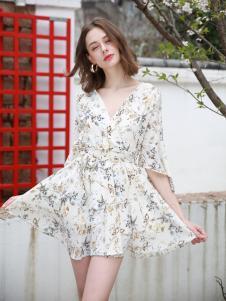 歌宝琪2018春夏收腰修身V领碎花连衣裙