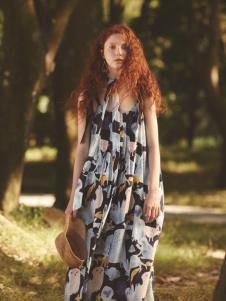 丽迪莎欧美风修身无袖印花连衣裙