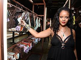Rihanna首个内衣系列Savage x Fenty 面世