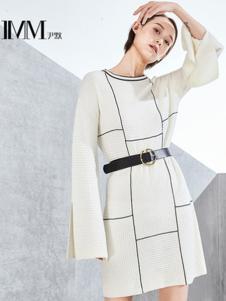 尹默女装白色开叉连衣裙