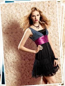 雨贝尔女装黑色性感连衣裙