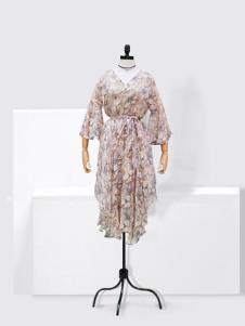 伊佳依女装印花收腰连衣裙