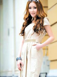 左娜女装新品米白色收腰连衣裙