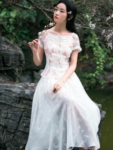 筱姿女装新品淡粉色碎花连衣裙