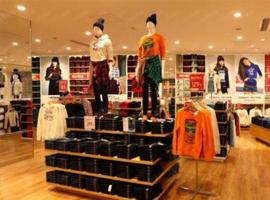 轻奢和快时尚较量 服装品牌定位哪个更有前途