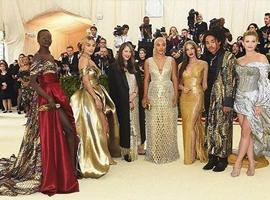 快时尚巨头H&M上榜Met Gala慈善舞会最佳着装