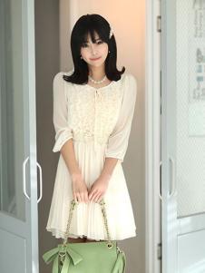 678月女装 白色雪纺连衣裙