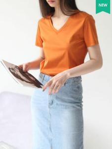 嘉茱莉女装新品橘色V领修身T恤