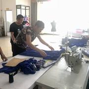 双面羊绒大衣全供应生产商 曼柏优妮实力造就品质