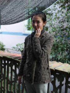 素茶女装灰色套头毛衣