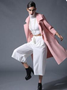 曼德诗女装粉色七分袖风衣