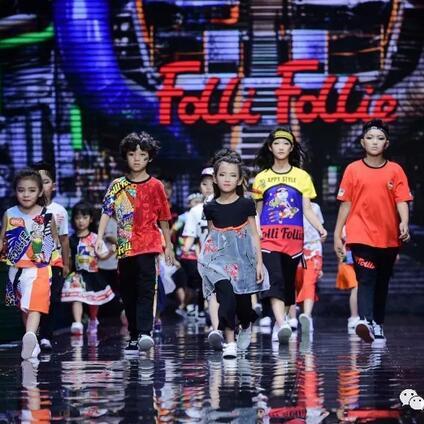 秀场直击|FolliFollie 重庆国际时装周引爆雾都