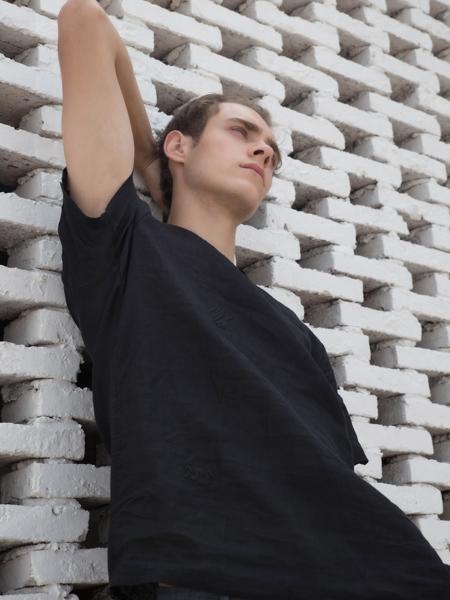 HS男装18黑色时尚T恤