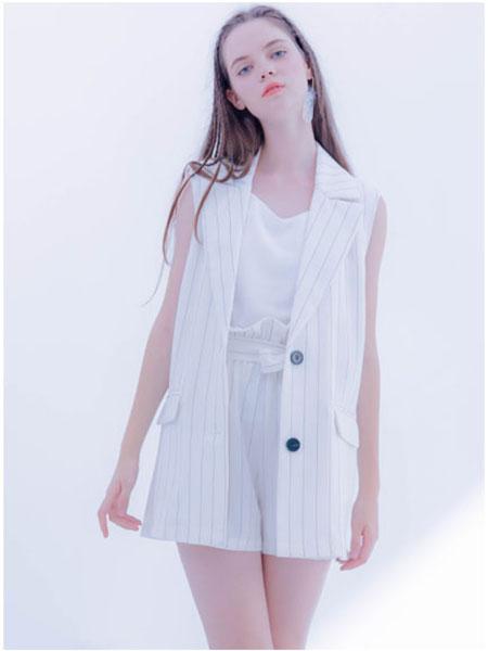 CReil女装