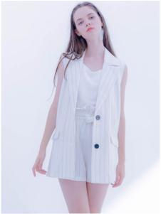 CReil女装白色无袖马甲外套