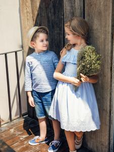 暇步士童装新品淡蓝色女童连衣裙