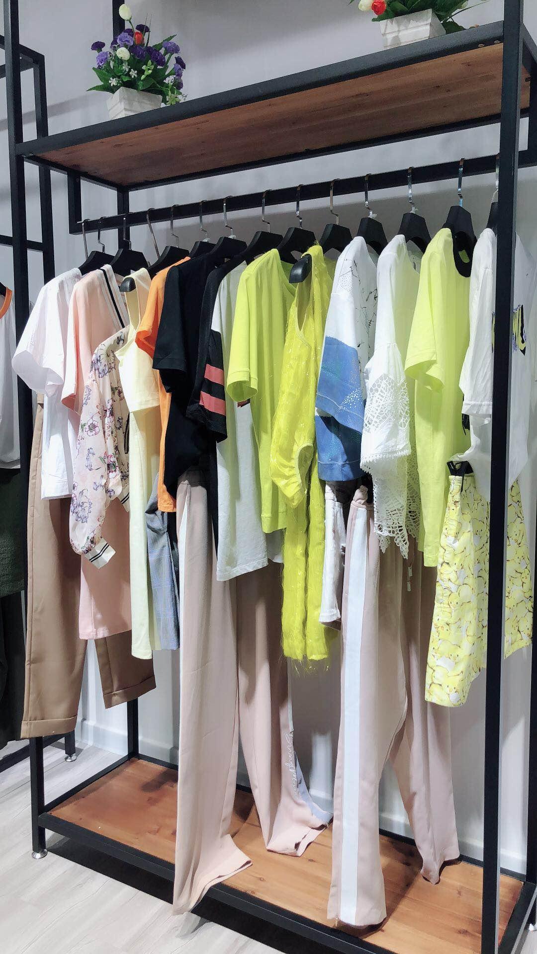 鑫晟恒服饰追逐时尚的道路上奋进蓬勃 女装招商