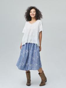 斯琴女装白色蕾丝T恤