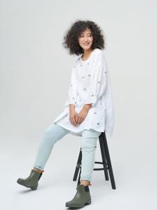斯琴女装白色开叉T恤