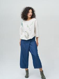 斯琴女装白色清新T恤