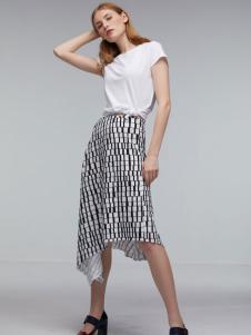 玛革诺施女装白色短袖T恤