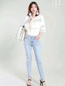 IDG女装白色镂空T恤