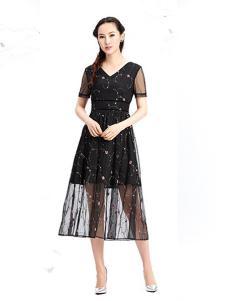 紫棉语女装黑色印花雪纺连衣裙