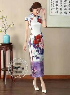 萧萍萍白色印花斜襟旗袍