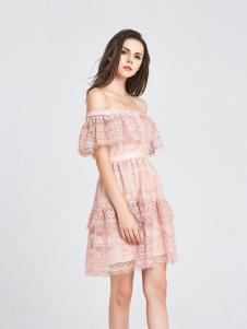 CAYLAR女装粉色一字肩连衣裙