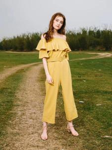 U&V黄色时尚淑女套装