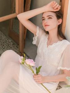 EWARERA白色蕾丝睡裙