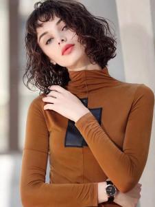 艾达禾女装棕色修身高领上衣