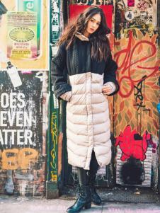 雪人女装时尚拼接羽绒服