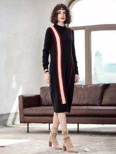 艾达禾女装黑色条纹针织连衣裙
