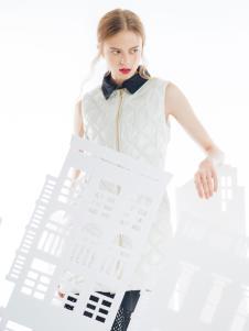 SNOWMAN NEW YORK时尚白色羽绒服