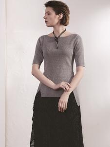 必然女装灰色冰丝T恤
