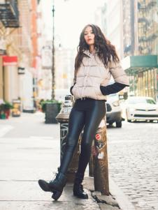 雪人女装短款灰色羽绒服