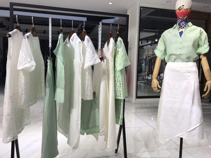 麦中林品牌女装折扣尾货批发|女装批发