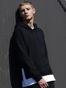 IAA男装黑色拼接卫衣