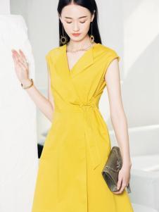 布根香18黄色收腰连衣裙