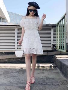 美兰娇丽女装白色漏肩蕾丝裙