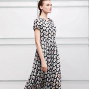夏季时尚穿搭指南|美不美 艺梦来女装说了算